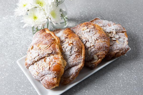 Almond Croissant 4 Count