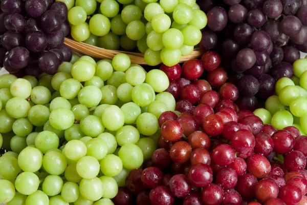 Organic Green, Red or Black Grapes