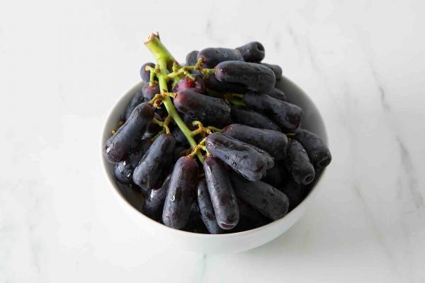 Sweet Sapphire Grapes