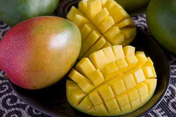 Organic Large Red Mangos