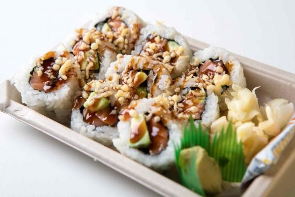 Salmoncado Sushi Roll