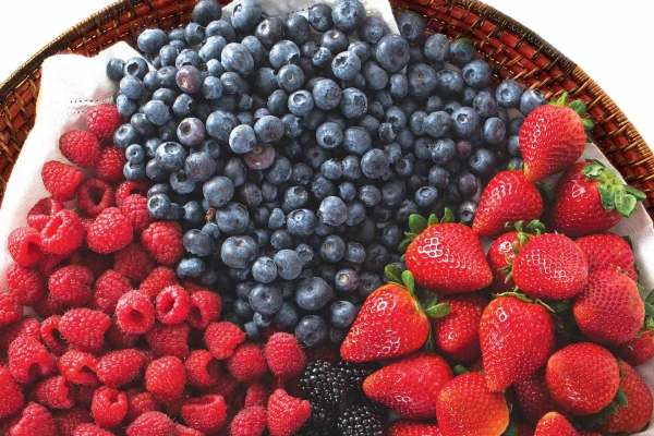 Organic Strawberries, Blueberries or Raspberries