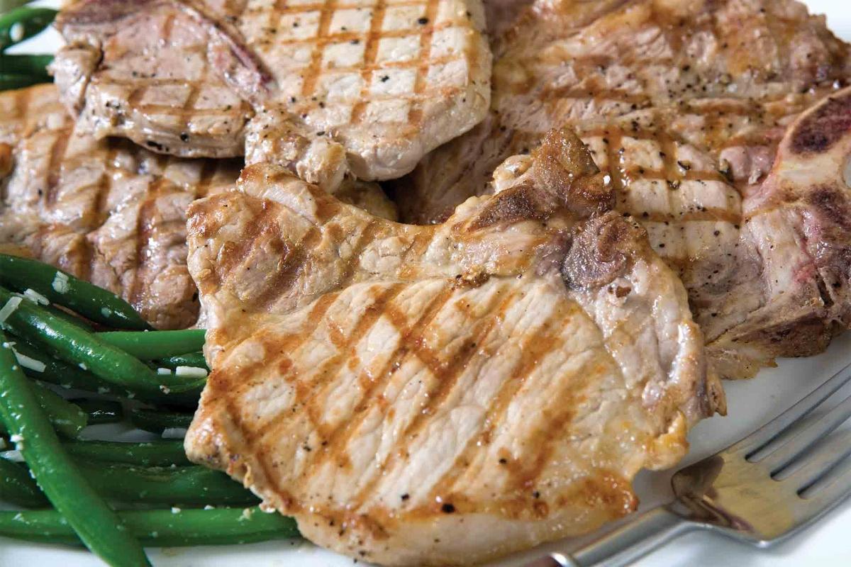 Bone-In Pork Chops, Regular & Thick Cuts